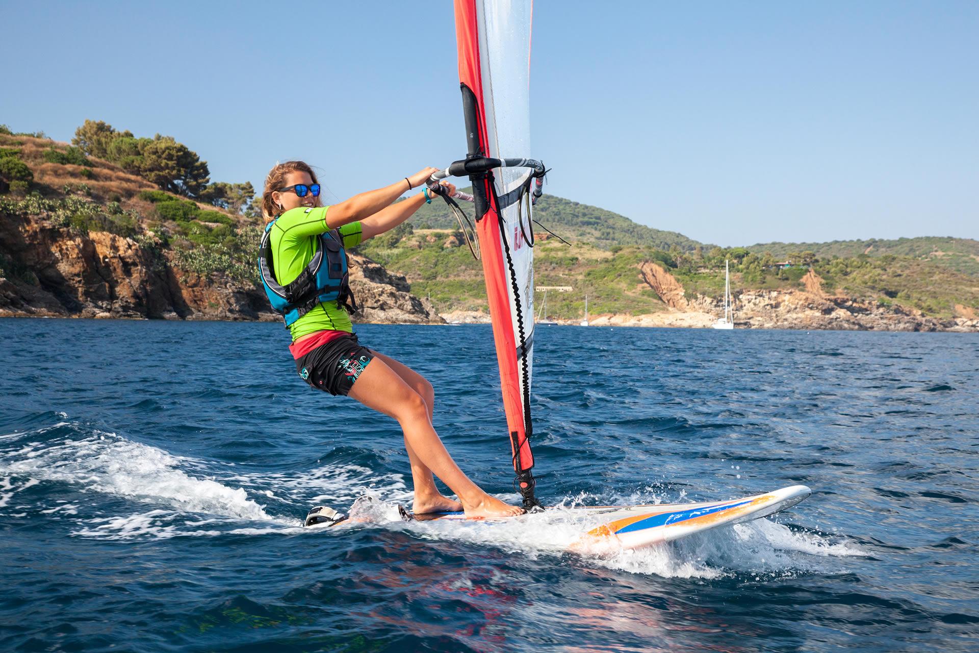 Windsurfing - Visit Elba